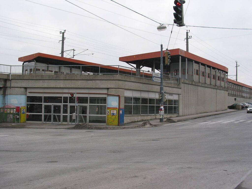Bahnhof Atzgersdorf als negativbeißpiel wie ähnliche Projekte aussehen